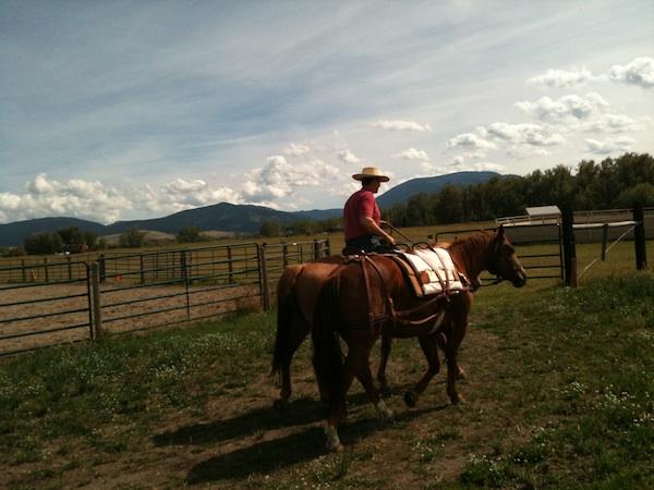 Cowboy rides pack